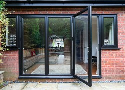 Bifold-Doors-002